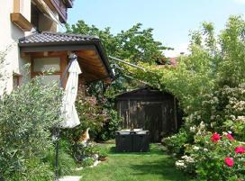 Bed and breakfast di melchiori michele san michele all 39 adige - Giardini curati ...